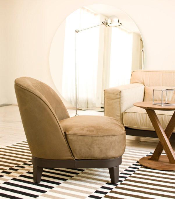 Castello lagravinese studio - Tavolini poltrone sofa ...